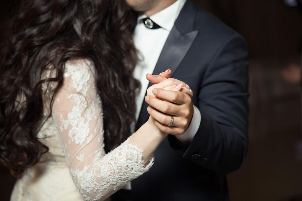 Hochzeitspaar beim Hochzeitstanz